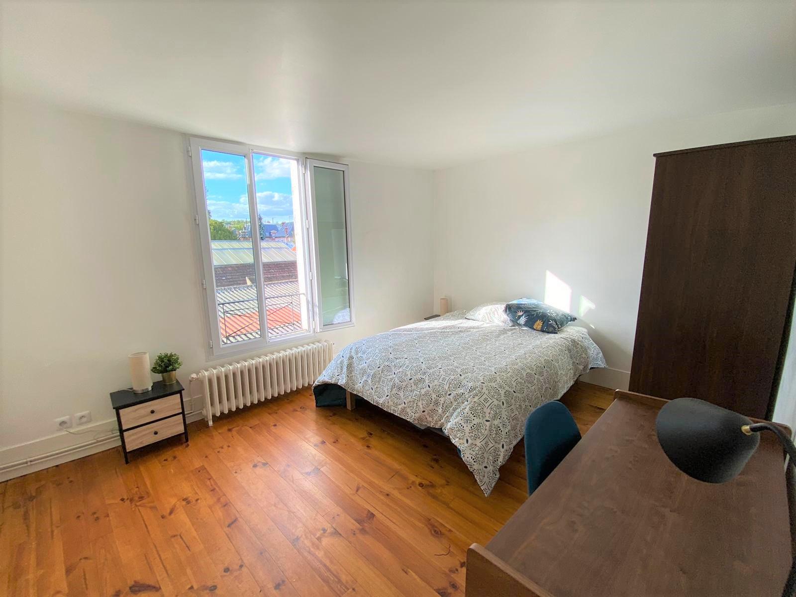 Bedroom 1 Insead MBA rental