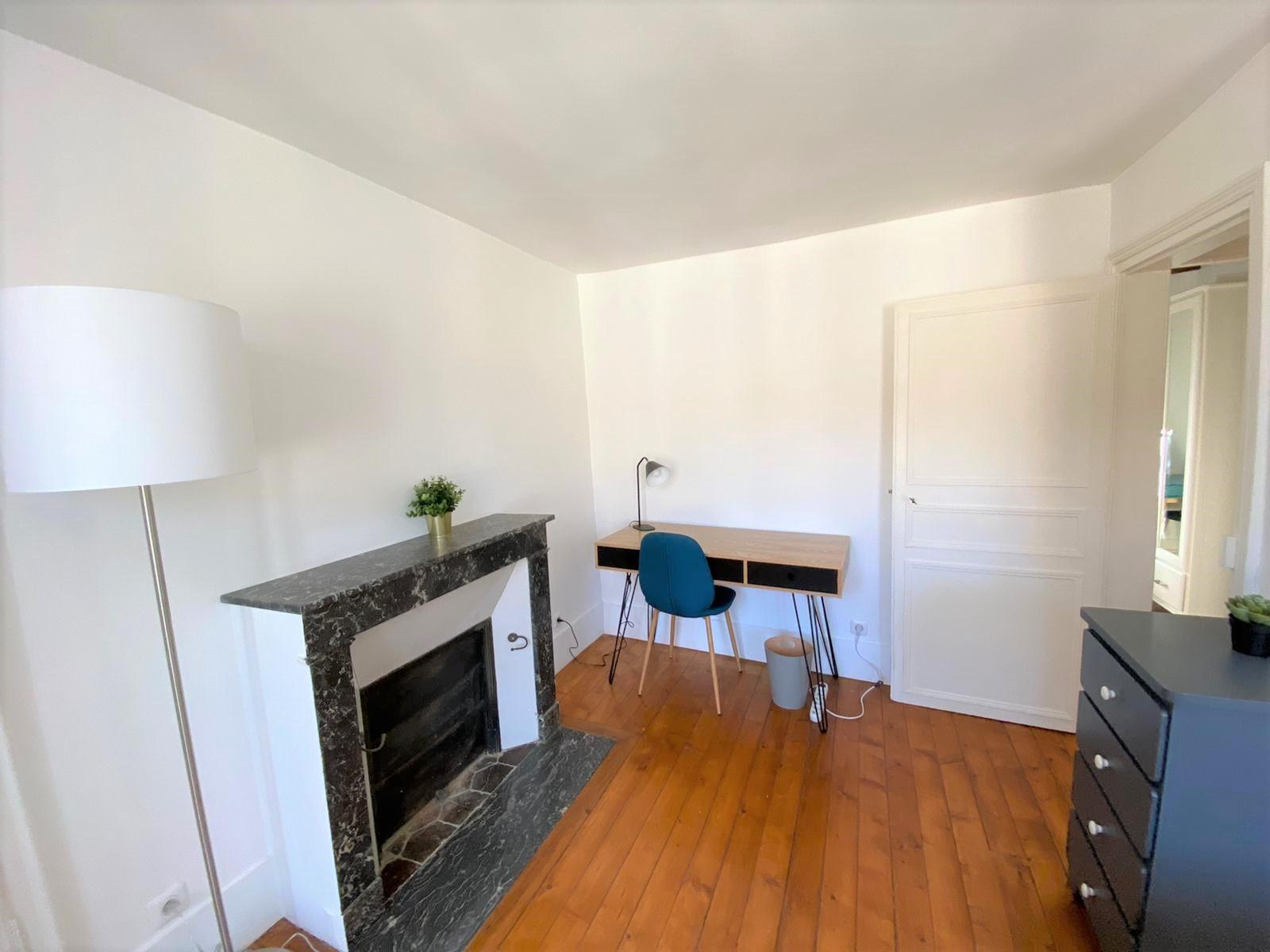 Bedroom 2 Insead MBA housing rental